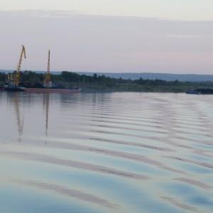 Портовые краны перед Лесосибирском