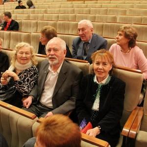 Ветераны-журналисты дружно занимали места в зале