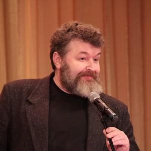 А начальник Управления информационной политики губернатора Красноярского края Евгений Цветков - просто ласков.