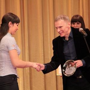 Чисто спортивное рукопожатие для автора Лучшей авторской телепрограммы Спорт-Life Анастасии Соболевой из Ачинска