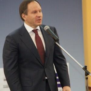 Торжественную часть Бала прессы 2014 открыл приветственным словом губернатор Красноярского края Лев Кузнецов.