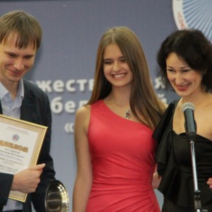 Победитель в номинации Лучшая авторская телепрограмма Александр Прудников – за программу  «Тайны тоннелей» на телеканале «Енисей».