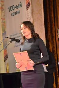 Приз за лучшую авторскую телепрограмму получает Наталья Жаринова, ТВ Центр
