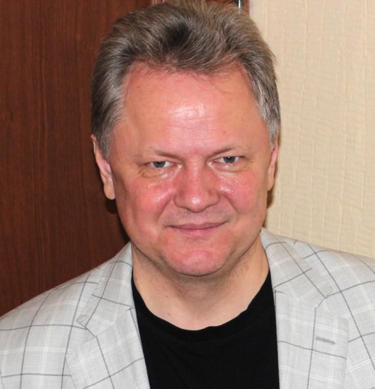 Голованов_автор