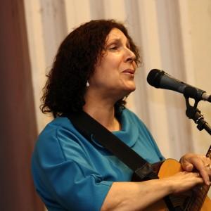 На сцене: Марина Журавлева, Енисейкая правда