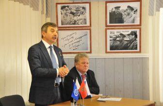 В Доме журналиста  состоялась встреча с лётчиком -космонавтом Героем России Александром Лазуткиным
