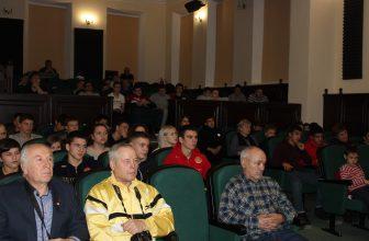 Сильный должен быть добрым! Фоторепортаж Юрия Суетова с премьеры фильма в Енисейске 15 декабря