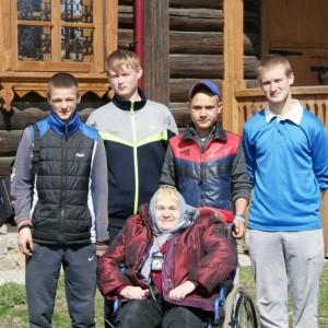 волонтеры не оставляли без внимания Галину Александровну